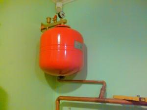 Отопление коттеджа напольным газовым котлом